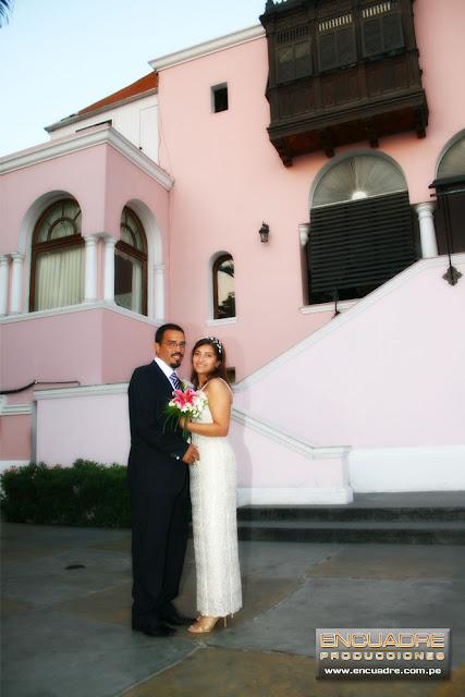 foto boda civil novios Jesus Maria lima peru