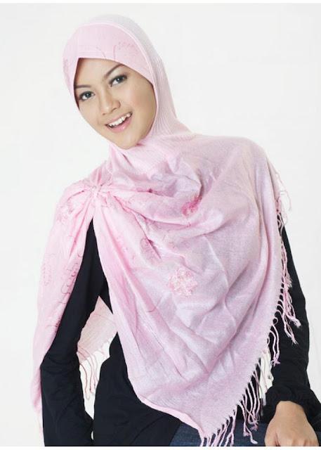 Wanita berjilbab mesum hot terbaru Pic 27 of 35