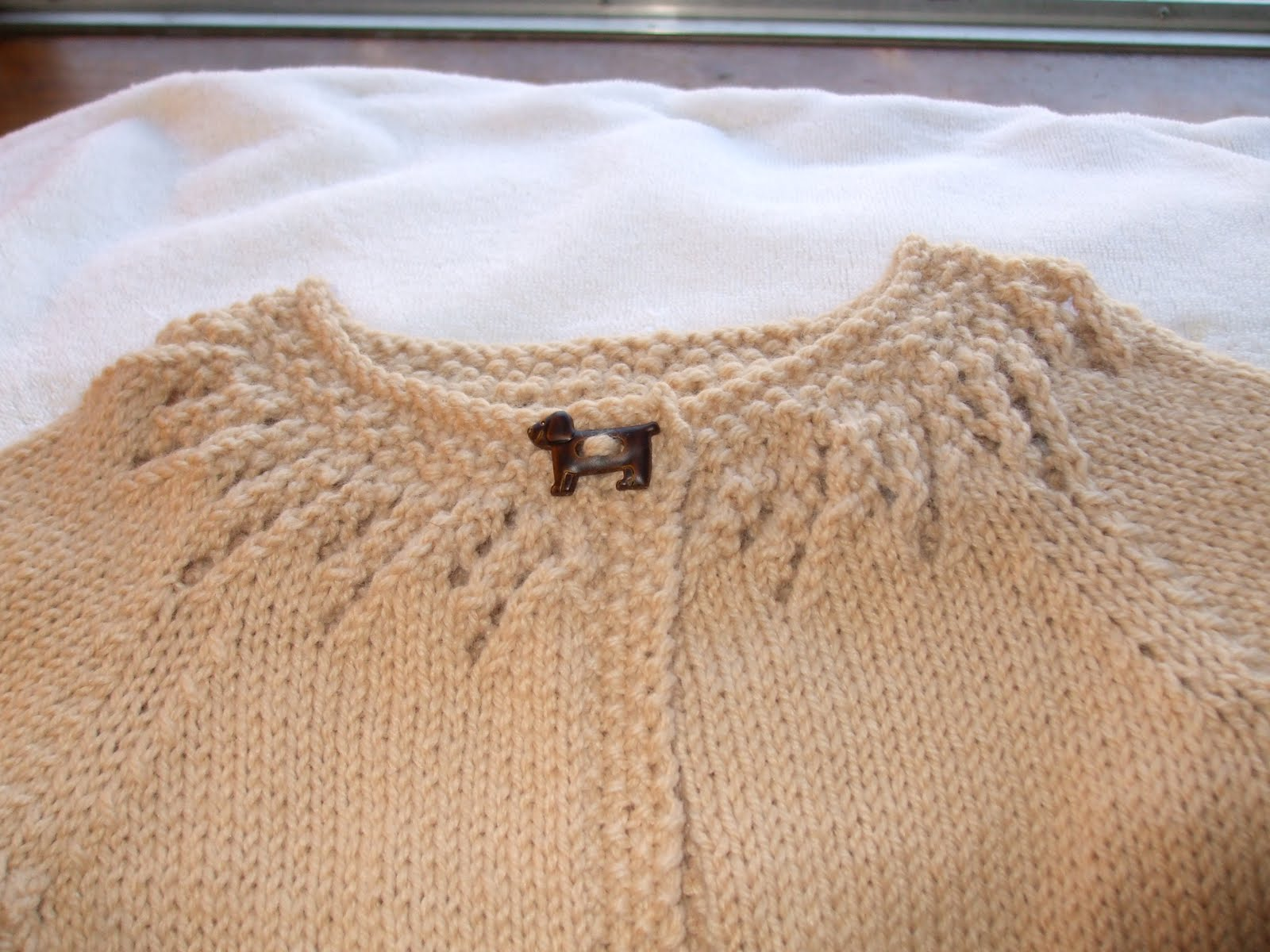 Knitting Pattern For Baby Sweater | Patterns Gallery