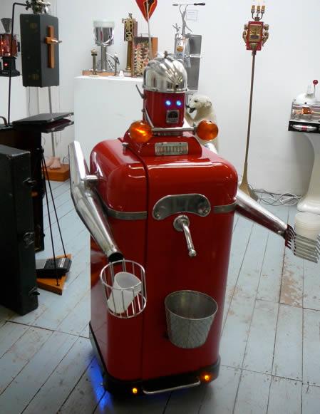http://3.bp.blogspot.com/_-_DfA6iMs2w/TK9Elt-t0EI/AAAAAAAADYw/-58xVZul6eU/s1600/a97205_gv1_9-bartender-robot.jpg