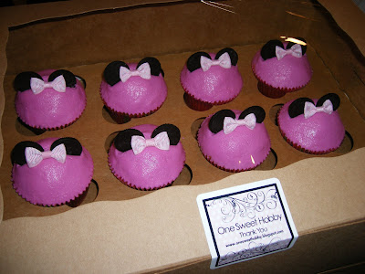 minnie mouse cupcakes. Minnie Mouse Cupcakes