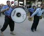 شاهد بالفيديو كيف تتعامل شرطة الساقط نوري المالكي مع العراقيين