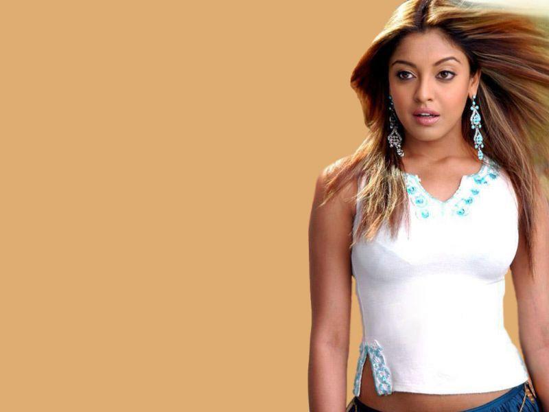 justin bieber photo: Sonakshi Sinha Hot Wallpapers Bollywood ...