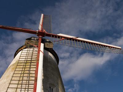 Moulin d'Ostiches 009 - Ostiches - Belgique - Anne-Sarine Limpens - 2008