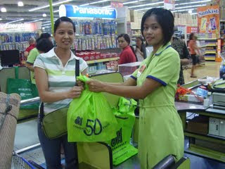 university of caloocan city, working student, buhay working student, phone english teacher, Philippines, http://ucc-estudyante.blogspot.com/,