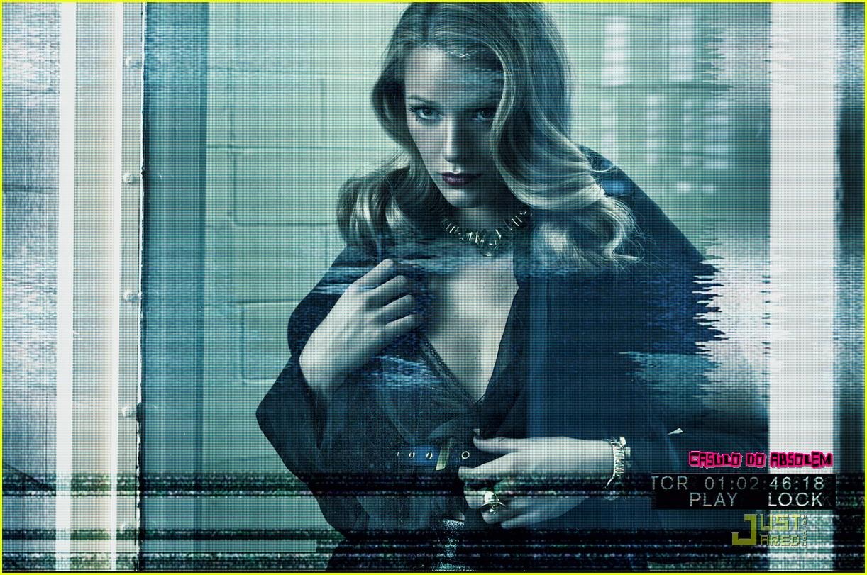 http://3.bp.blogspot.com/_-c36w6_kH1Q/TGw7nxTNUFI/AAAAAAAABDc/4XNYtieaL5o/s1600/blake-lively-handcuffs-interview-magazine-02.jpg