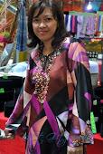 Kastemer : Kak Azie - Wearing Manjalara