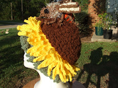 My crocheted sunflower hat with Beatrice Bee
