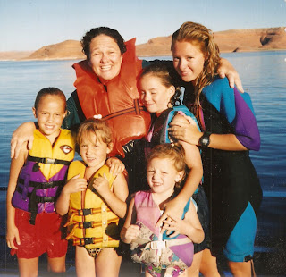 lake powell single hispanic girls Home » travel » slot canyon tour at lake powell  a latina mom of 5 girls (ages 13 to 5), tania finds her happy in traveling, watching movies, running,.