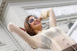 otra más de Valentina Aira en el frontis del Palacio de Gunne Bo