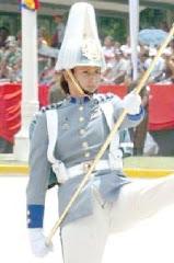 las cámaras no perdonan. aquí una cadete venezolana