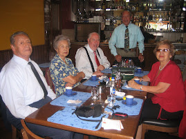 don jorge soriano a la izquierda y los miembros del Comité Pro Mar en noviembre del 2007