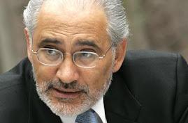 Carlos Mesa poseédor de una pluma vigorosa publica en todo el mundo
