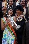 coqueteando? sucedió en la plaza de Oruro, en plena entrada del carnaval