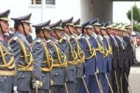 los militares no aceptaron cerrar el Congreso. no tiene sentido apoyar la democracia y