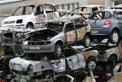 cientos de coches quemados en Francia