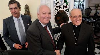 con la firma de Raúl Castro (Cuba), Moratinos (España) y Cardenal Ortega (La Iglesia) se formalizó