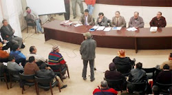 la delegación potosina presente en Sucre ante los ministros (tres) enviados por Evo