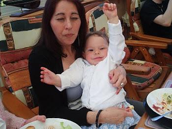 mi hija América de Jesús y mi nietita Rebecca