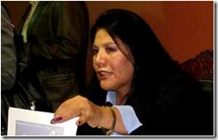 la muy valiente diputada opositora Norma Piérola viajó a USA