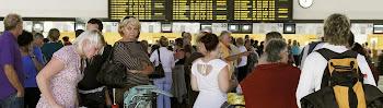 después de varias horas de suspensión de vuelos ahora se ha normalizado el servicio porque ...
