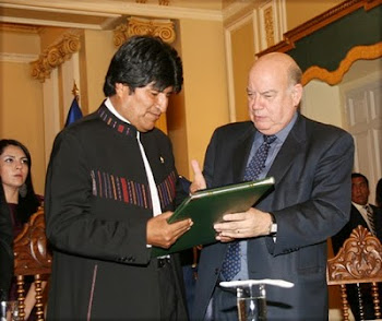 el chileno de la OEA vino a Bolivia a darle un espaldarazo al indígena presidente