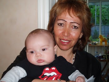 Charito mi primera hija querida y el bisnieto 2 Giovanni