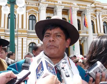 """autoridad indígena con el título de """"jilliri"""" en el Altiplano paceño ha pedido no bajar la guardia"""
