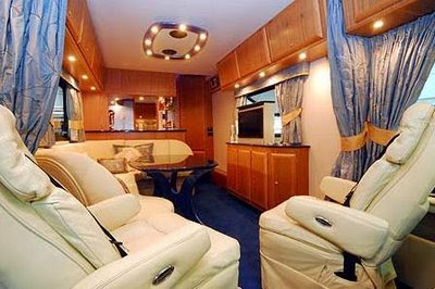 Cool site luxury bus for Amenagement interieur camping car