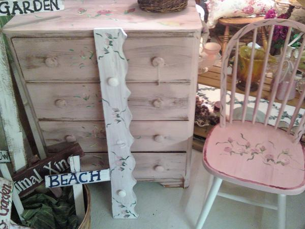 Shabby Dresser and Decor