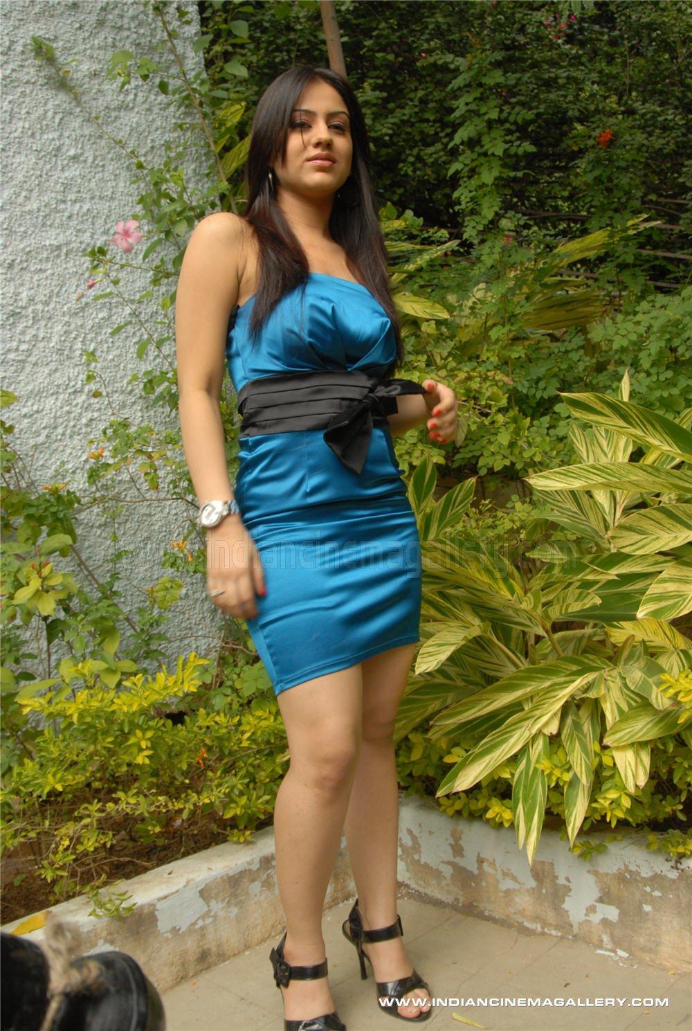 http://3.bp.blogspot.com/_-hNcU_oGQVM/Sw4X-X6ZifI/AAAAAAAAQEw/CCety6xWBc8/s1600/Aksha+picture+gallery+25_11_09+_43_.jpg