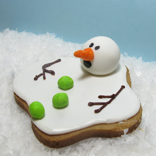 Melted snowman cookie from The Decorated Cookie