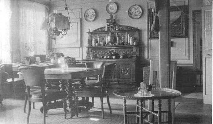 The Buzz on Antiques: THE GENESIS OF THE COFFEE TABLE 1920s Living Room Furniture
