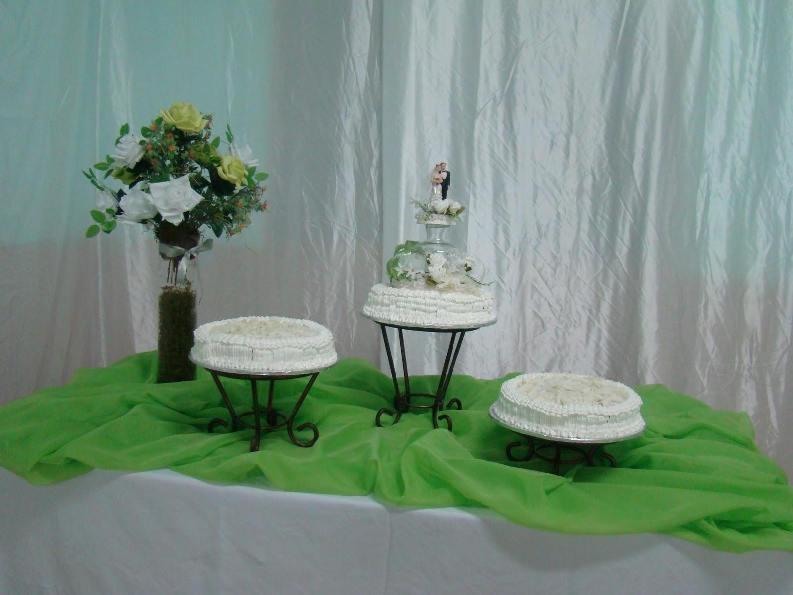 decoracao igreja branco e verde:Eventos e Cerimonial: Decoração de casamentos: verde limão