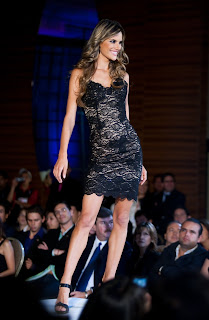 Alessandra Ambrosio Sexy on Catwalk
