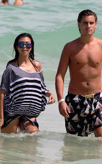 Kourtney Kardashian's Beach Bump Pictures