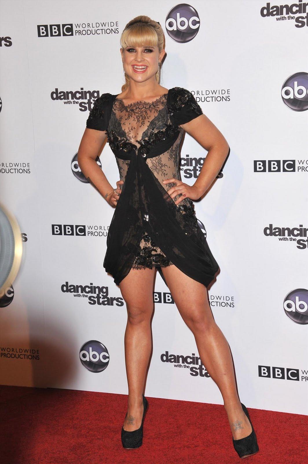 http://3.bp.blogspot.com/_-knQcvB6hEw/TNApZs66PqI/AAAAAAAAJok/1LBA2KXftk0/s1600/Kelly+Osbourne+%40+Dancing+With+The+Stars+Event3.jpg