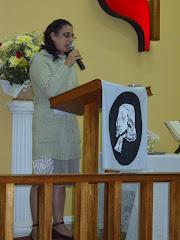 Irmã Mireni pregando!!!