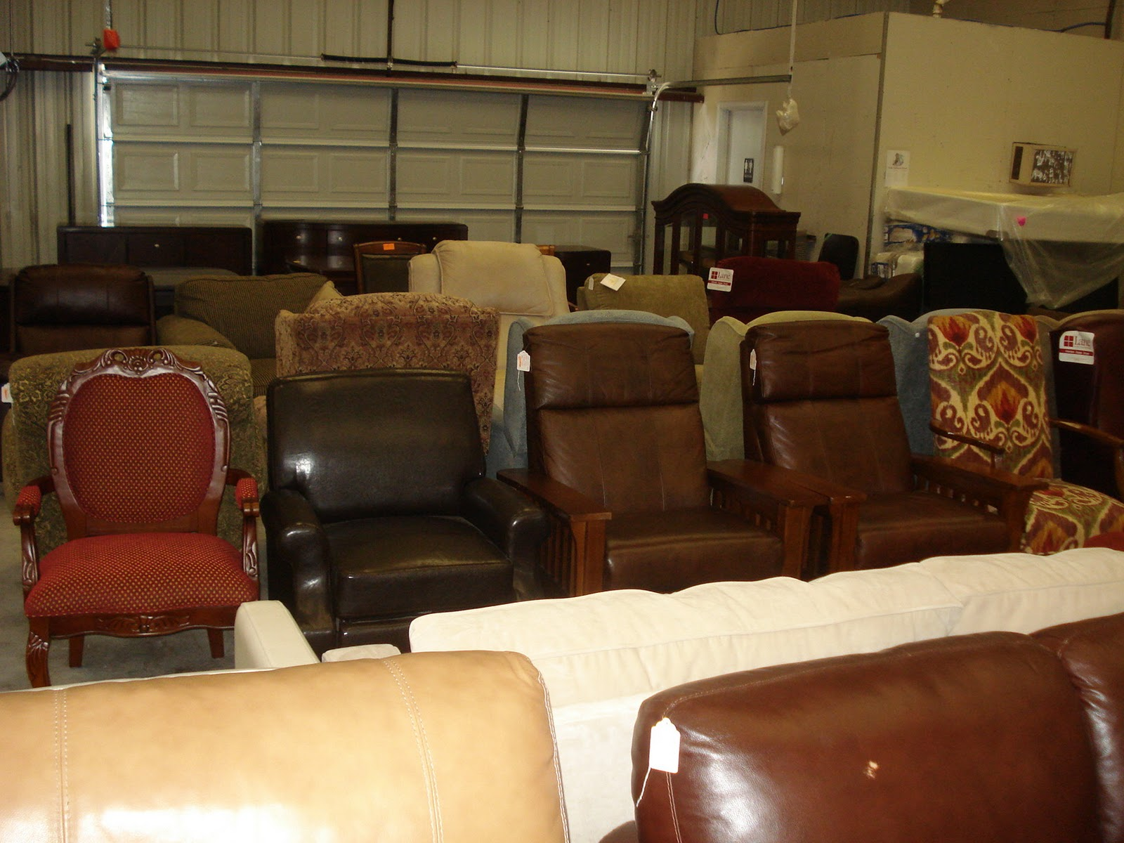 Furniture Stores Austin, TX - Austin's Couch Potatoes: Italian Leather