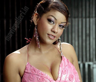 sexy photos in mumaith khan