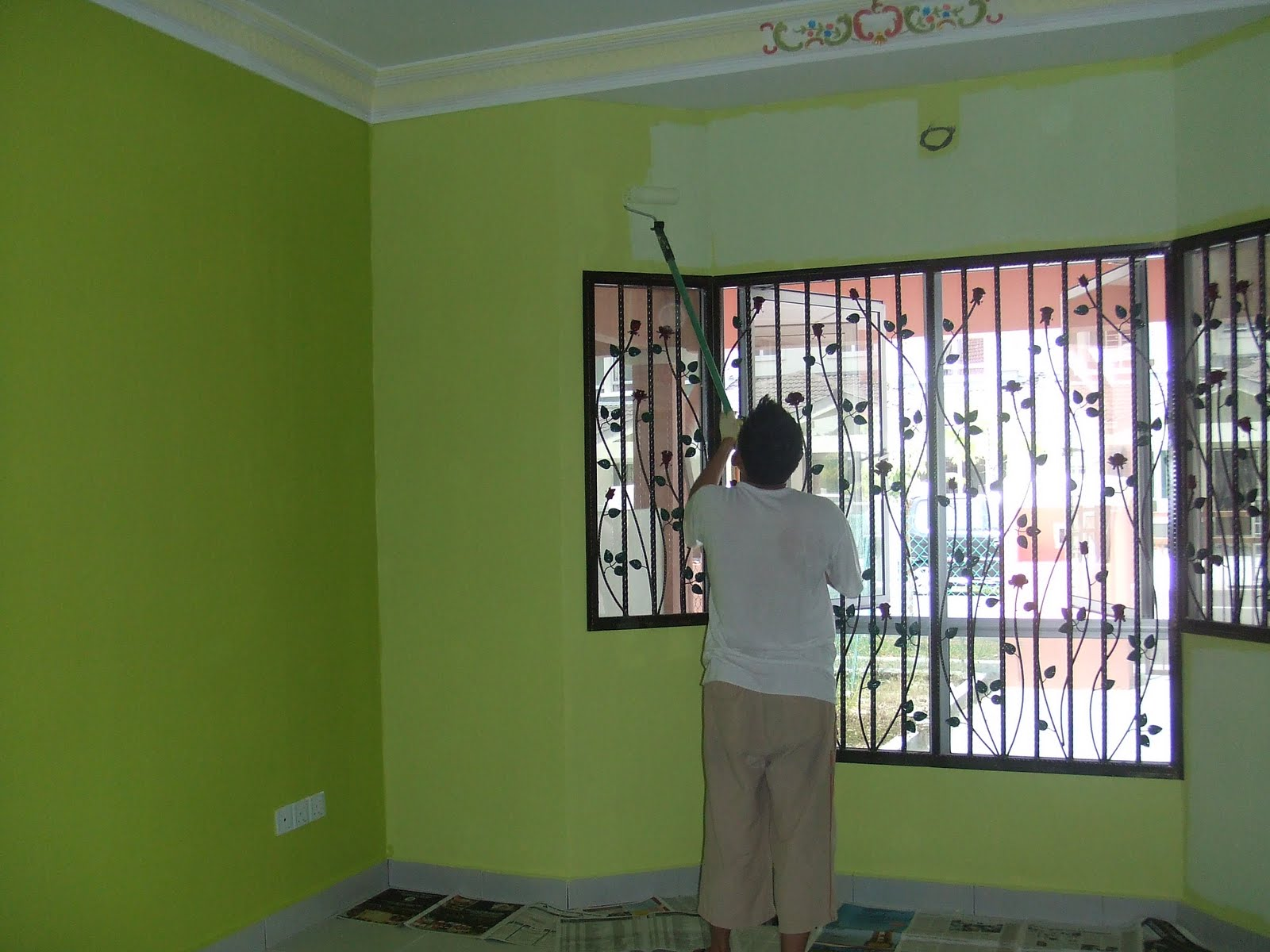 memilih gambar contoh kombinasi warna cat rumah kayu