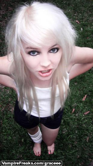 Long Blonde Emo Hairstyles For Girls.2