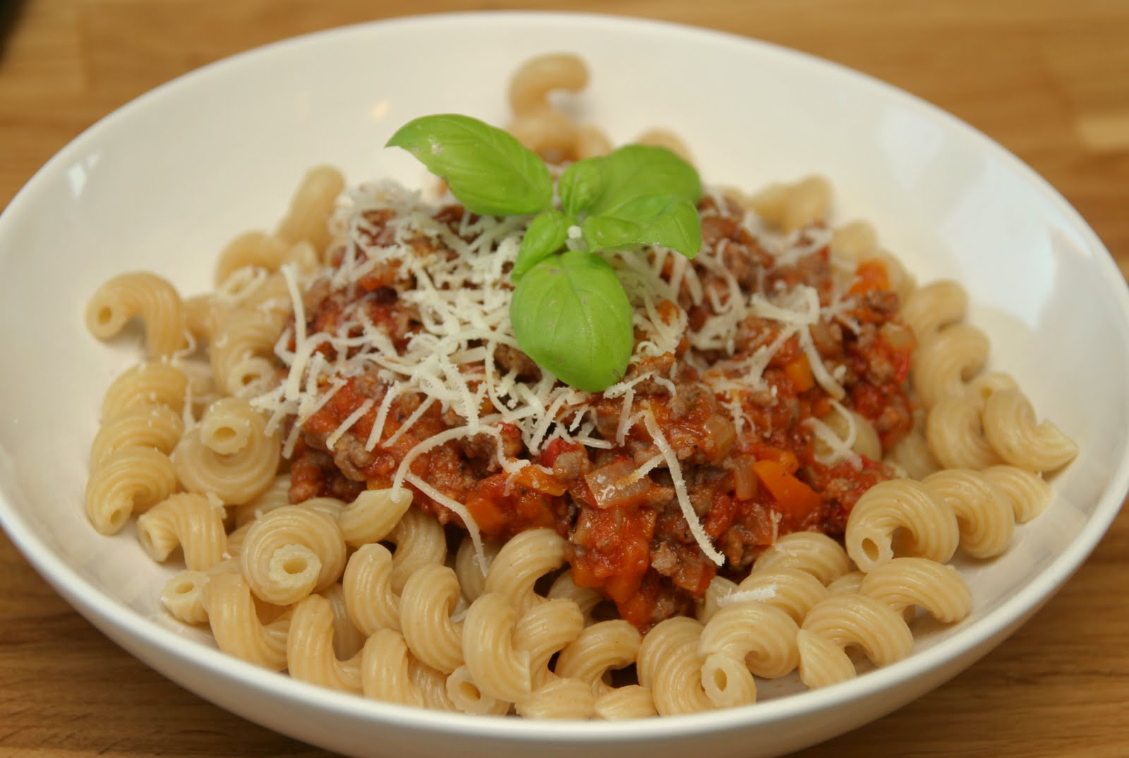 Fettuccine Bolognese Recipes — Dishmaps