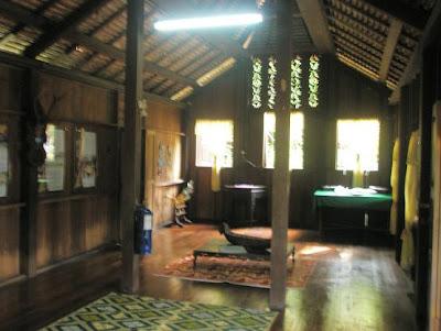 gambar ruang rumah on ... ART): Mini Malaysia: Rumah tradisional (traditional house of) Kelantan