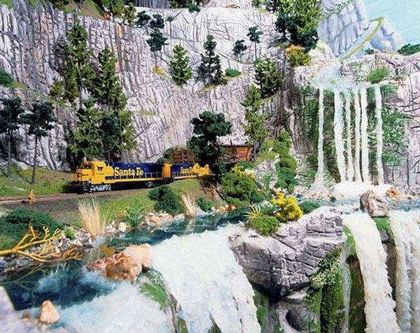 World%27s%2BBiggest%2BMiniature%2BRailway%2BModel%2B(15).jpg