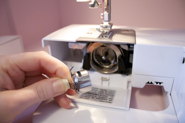 Getting Started Winding And Threading Your Bobbin Magnificent How To Bobbin Sewing Machine