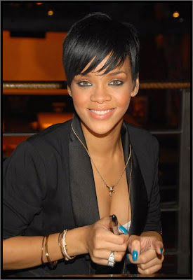 Rihanna Hairstyles Image Gallery, Long Hairstyle 2011, Hairstyle 2011, New Long Hairstyle 2011, Celebrity Long Hairstyles 2093