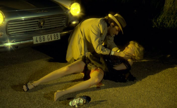 Walter découvre Marie-Ange van de Reeves sur la route.