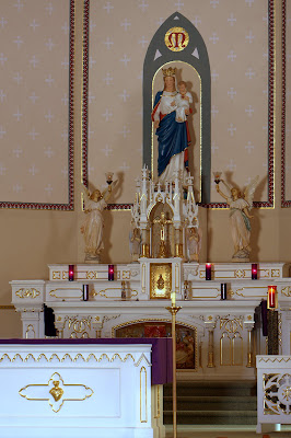 Main Alter with Mary and Christ child