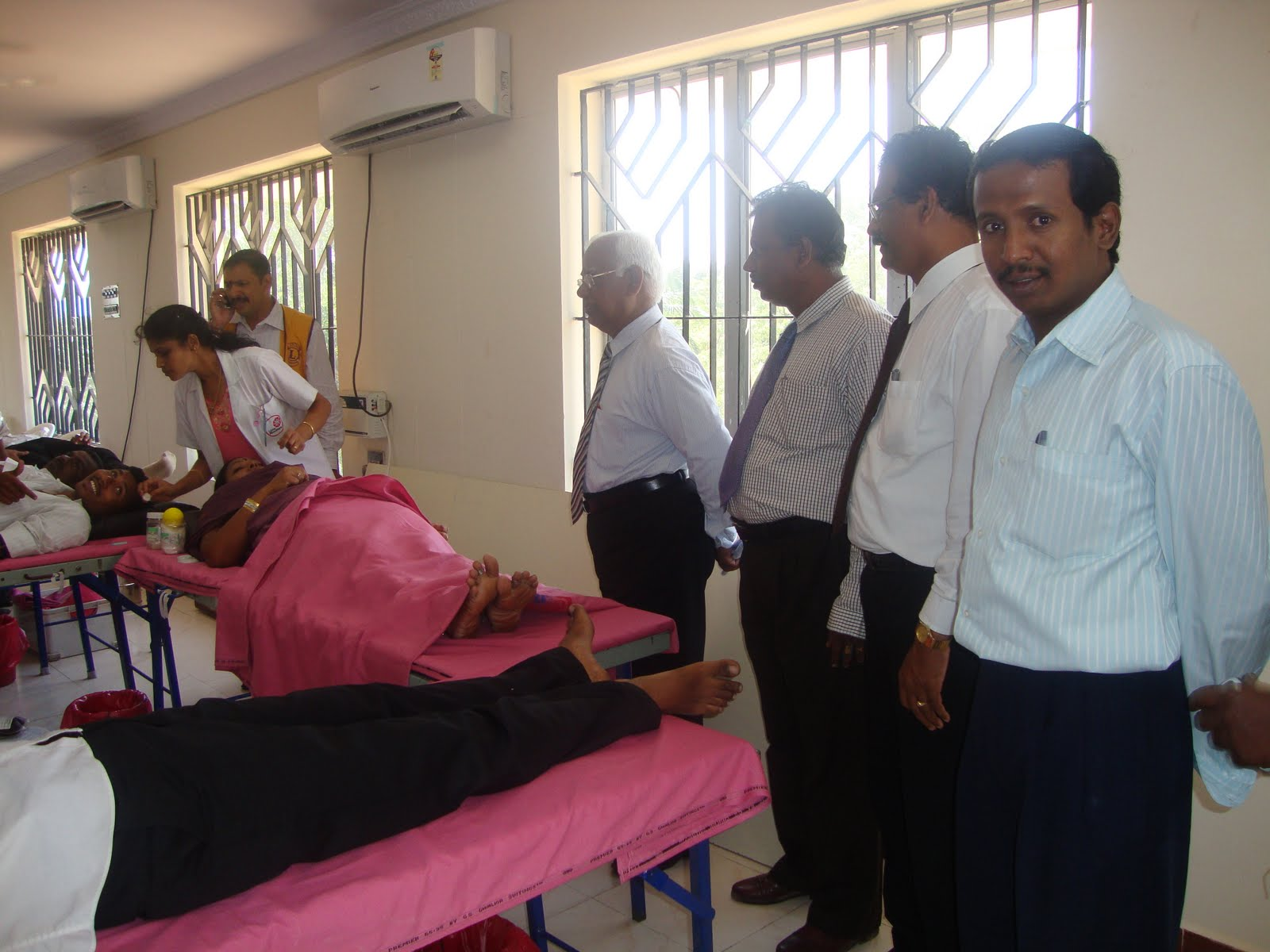 """blood donation camp in school """"excuses never save a life blood donation does"""" the members of orchids- the international school kurla believes in imbibing the principle of community service."""